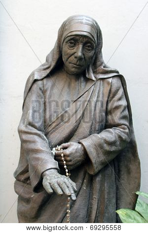 KOLKATA, INDIA - NOV 25, 2012: Statue of Blessed Teresa of Calcutta, commonly known as Mother Teresa (26 Aug 1910, Sep 1997), was Catholic missionary who lived for most of her life in India
