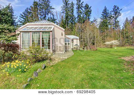 Luxury Countryside House. Backyard View