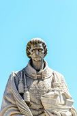 image of patron  - Statue of Sao Vicente the patron saint of Lisbon  - JPG