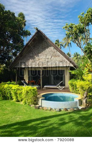 Beach Bungalow and Jacuzzi Outdoor