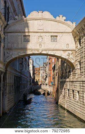 Bridge of sighs with gondola under the bridge in Venice