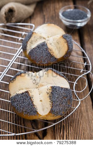 Fresh Baked Pretzel Roll (with Poppyseed)