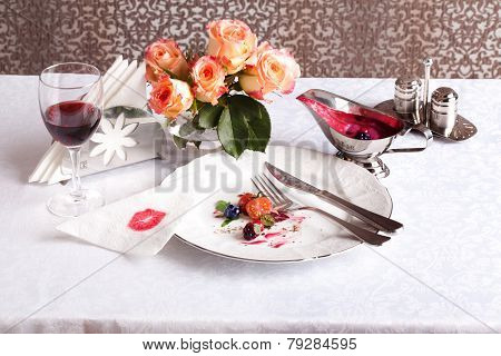 plate after a meal with beautiful scraps in still life