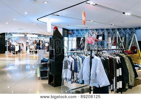 modern fashion clothes shop front