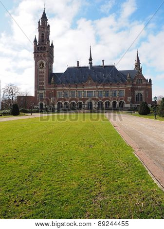 The Peace palace and front lawn