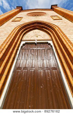 Villa Cortese Italy   Church   Rose Window