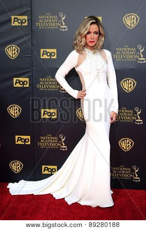 BURBANK - APR 26: Donna Mills at the 42nd Daytime Emmy Awards Gala at Warner Bros. Studio on April 26, 2015 in Burbank, California