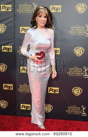 BURBANK - APR 26: Kate Linder at the 42nd Daytime Emmy Awards Gala at Warner Bros. Studio on April 26, 2015 in Burbank, California