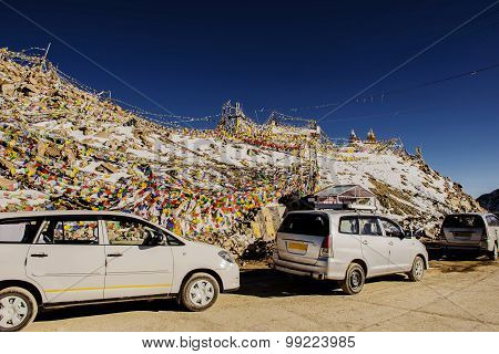 Caravan road trip at Chang La Pass, the third highest driveable mountain pass.
