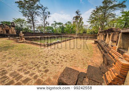 Prasat Muang Tam Historical Park