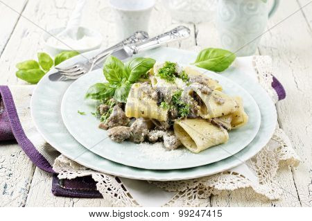 italian pasta with minced meat