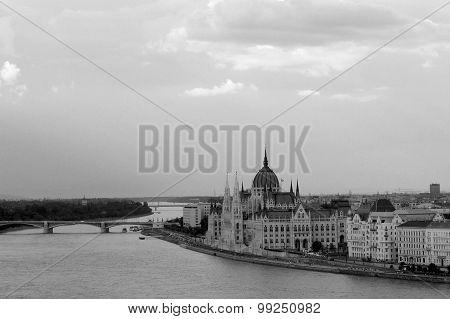 Budapest black and white