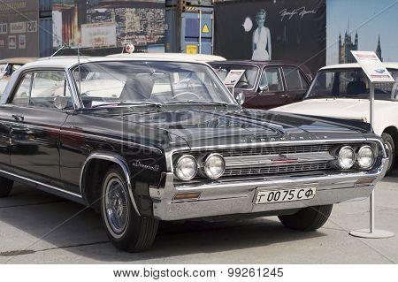 Retro car Oldsmobile 88