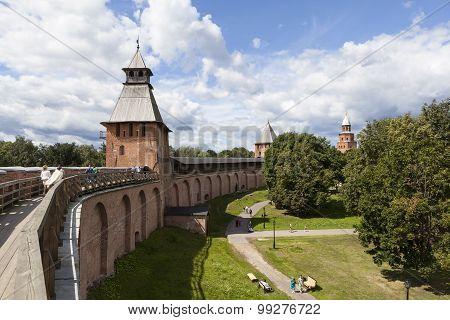 Battle progress Novgorod Kremlin. Towers Detintsa: Spasskaya, reign and Kokui. Velikiy Novgorod.