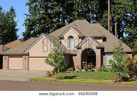 Beautiful Family Home In Suburban Neighborhood