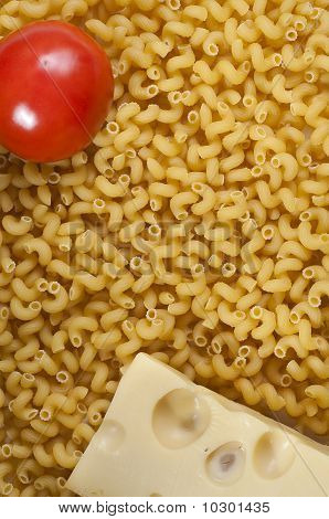 cheese, tomato and macaroni