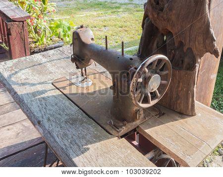 Old  Rusty Sewing Machine