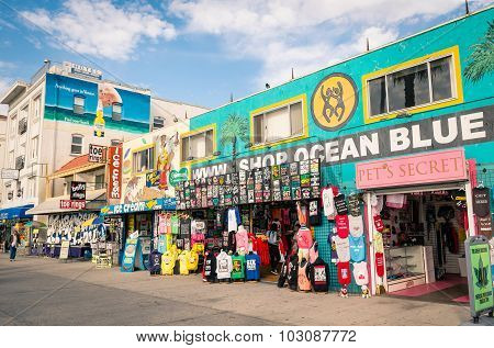 Venice, United States - December 18, 2013: Souvenirs Shops On The Ocean Front Walk In Venice Beach