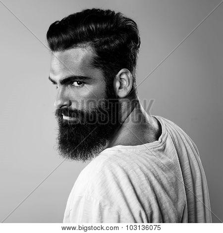 Black and white portrait of beard man