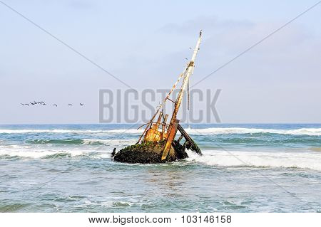 Shipwreck in the Shallow Waves