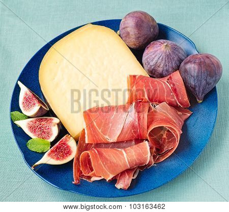 Serrano Ham With Cheese And Figs