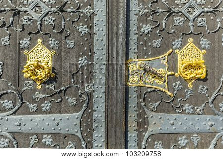 Detail Of Old Wooden Door Of Townhall  In Frankfurt