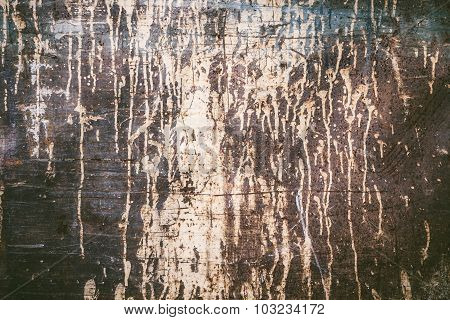 Rusty texture with dripping paint