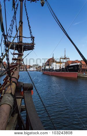 old sailing ship rigging
