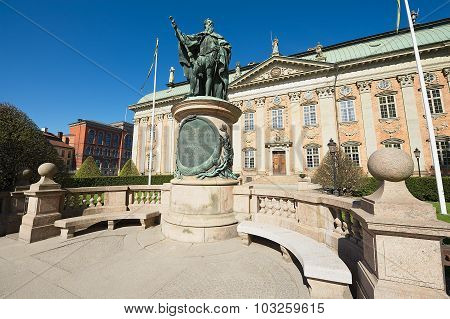 Exterior of Gustaf Vasa statue in front of the House of Nobility in Stockholm, Sweden.