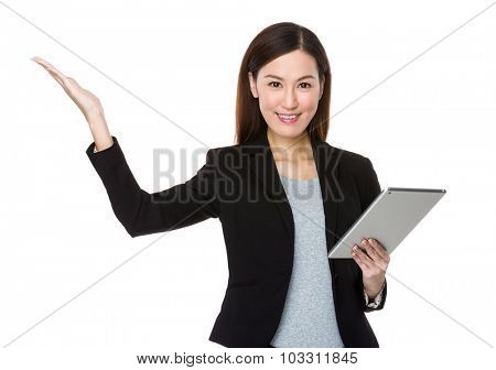 Businesswoman use of the tablet pc and open hand palm