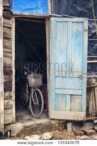 Old bicycle in a shed