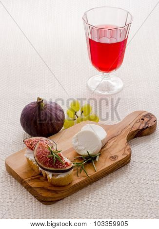 Goat Cheese With Ripe Figs And Red Wine