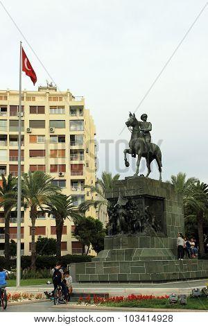 Atatürk Statue Izmir, Turkey