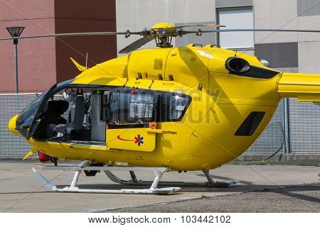 Yellow Emergency Helicopter, Medical Rescue Team
