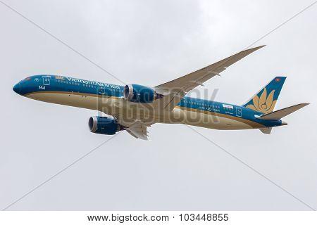 Vietnam Airlines B787-900