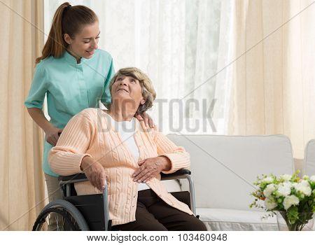 Nurse Discussing With Elder Patient