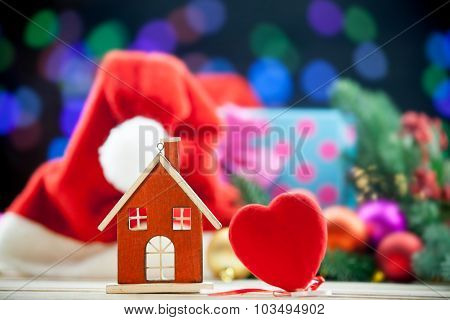 House Toy And Heart Shape Toy