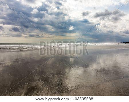 Scenic Beach With Waves In Kuta, Bali