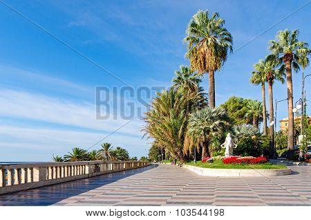 Sanremo (italian Riviera), Promenade And Statua Della Primavera