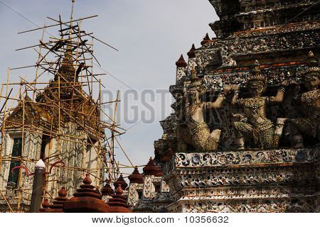 Renovating Wat Arun