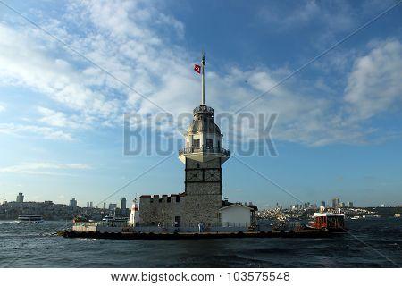 The Maiden's Tower (Kiz Kulesi) in Istanbul, Turkey.