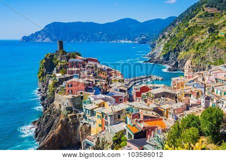 Lanscape Of Vernazza In Cinque Terre, Italy