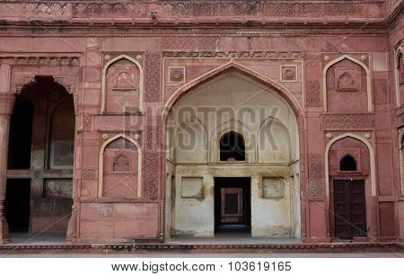 Detail Of Agra Fort In India