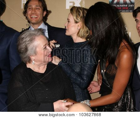 LOS ANGELES - OCT 3:  Kathy Bates, Naomi Campbell at the