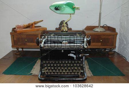 Antique Typewiter