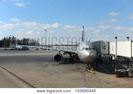 MOSCOW, RUSSIA - MARCH 31, 2011: Aeroflot aircraft docked in Sheremetyevo airport. Aeroflot, is the flag carrier and largest airline of the Russian Federation