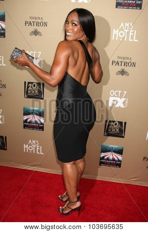 LOS ANGELES - OCT 3:  Angela Bassett at the