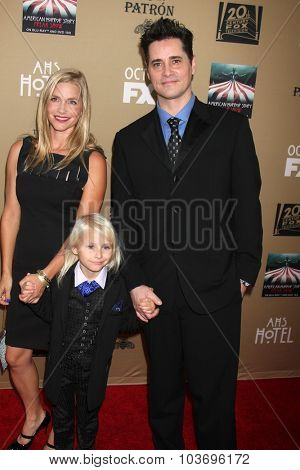 LOS ANGELES - OCT 3:  Lennon Henry, parents at the