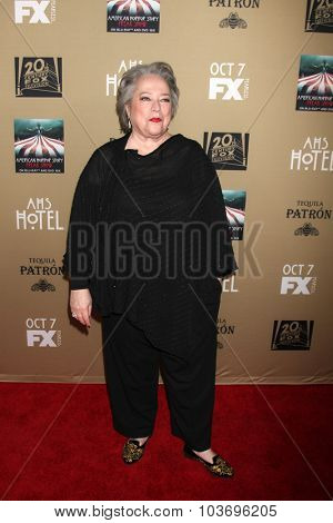 LOS ANGELES - OCT 3:  Kathy Bates at the
