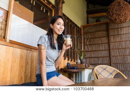 Woman drinking of coffee
